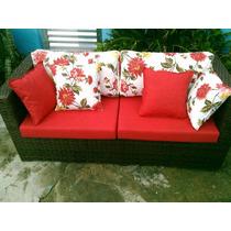 Compre Sofa Dois Lugares Ganhe Uma Mesinha Com 2 Puffs