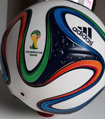 cabcf50de60f5 Bola Oficial Copa Do Mundo 2014 Brazuca - R  399