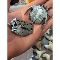 Llavero Con Imagen Metálica De Un Fosil