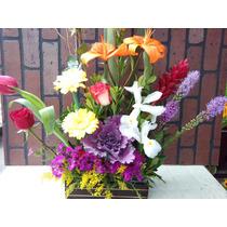 Arreglo Floral Con Base De Madera