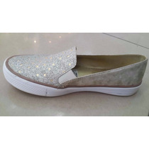 Zapato Corte Vans Plata Puntos Dorados.