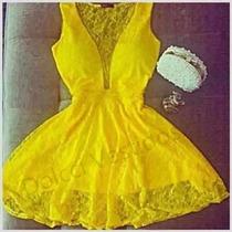 Vestido Rodado Em Renda Com Decote Em Tule