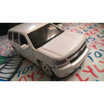 Jada Big Time 2010 Chevy Tahoe Blanca Lyly Toys
