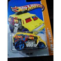 Cool One, Hw Stunt De Hotwheels 2013, #77, Df Y Edo. De Mex.