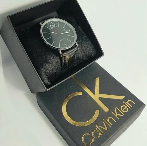 fb680a138d9 relógio masculino social preto com pulseira de couro. Carregando zoom.