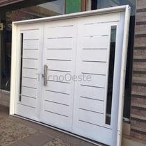 Portón Garaje Doble Chapa Inyectado 240x200 Postigos Atex