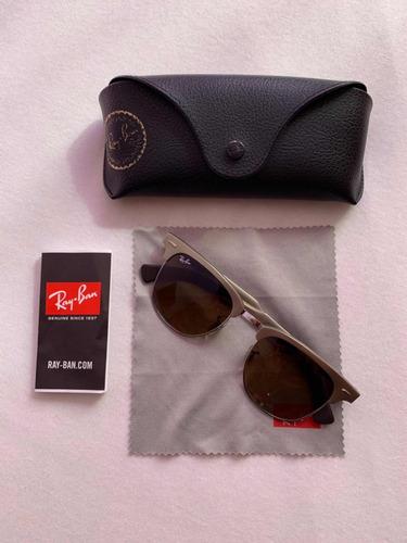 8714f1e80f61e Óculos Ray-ban Clubmaster Dourado - R  400