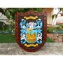 Brasões De Familia - Escudo De Armas Entalhado Em Madeira