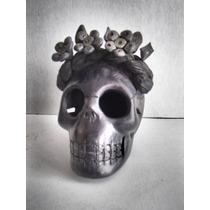 Artesanía Cráneo Frida Kahlo En Barro Negro Oaxaqueño.