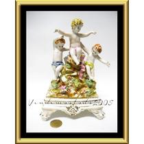 Bello Adorno Figura Angel Flores Porcelana Tipo Capodimonte