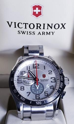7eb1f442801 Relógio Masculino Victorinox Swiss Army Classic 241282 45mm - R  1.500