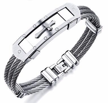 Pulseira Bracelete Masculino Cruz Aço Inox 316l Ouro 18k - R  59,90 em  Mercado Livre 4bb13f73cf