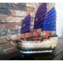 Navio Barco Brinquedo Piratas Musical