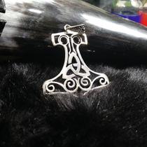 Pingente Mjölnir Com Triskle Vazado Em Prata