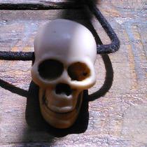 Raro Dije En Forma De Calavera, Hueso Tallado. Amuleto