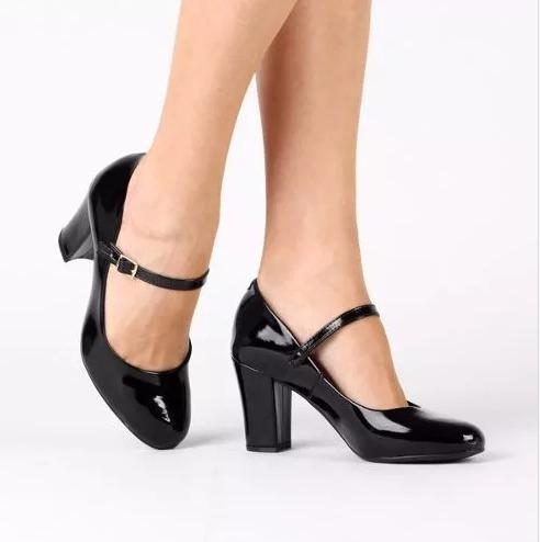 4ae33f0653 Sapato Scarpin Salto Boneca Verniz Preto - R  210