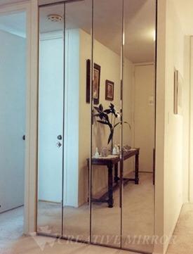 Puertas de closet con espejos o con panel de aluminio u for Puertas con espejo