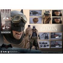 Hot Toys Batman Superman Dawn Justice Knightmare Ben Afflec