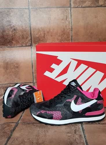 27e73b46182 ... coupon code tenis zapatillas nike internationalist negra fucsia mujer  en 144.900 en mercado libre ddbdb b7bf2