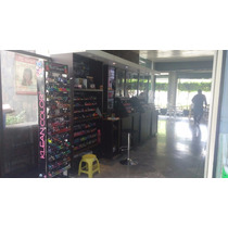 Stand De Cosméticos En Centro Comercial Las Plazas