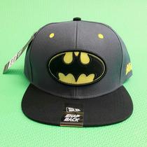 Boné Batman Cinza Aba Reta Snap Back Nerd Geek Dc Comics