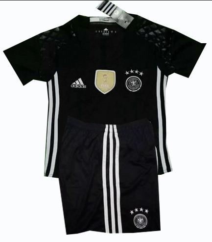 c0bed84ae4ff2 Alemania Uniforme Portero Niño Playera Y Short -   650.00 en Mercado Libre