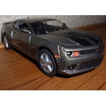 2014 Chevrolet Camaro 2014 Plata Gris Escala 1/38 Kinsmart
