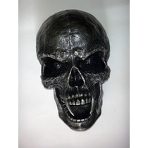 Figura Cráneo Gótico Con Colmillos Vampiro Adorno De Pared