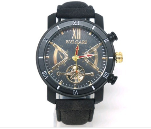 e30f6a8f9df Relógio Bvlgari Couro Preto - R  89