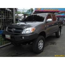 Toyota Hilux Doble Cabina Pickup - Sincronico