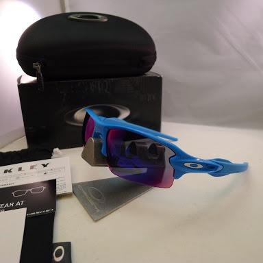 Oakley Flak 2.0 Sky Red Iridium Tenis Corrida Esporte Oculos - R  499,00 em Mercado  Livre 54b7135cdf