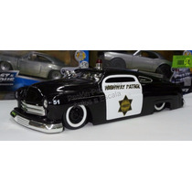 1:24 Mercury 1951 Highway Patrol Patrulla Jada Display