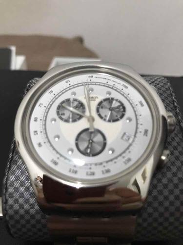 7149308128f Vende-se Relógio Swatch Irony Yos401g Wealthy Star - R  550