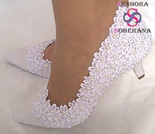827b325f5 Sapato Branco Florado Com Bico Perolado (casamento) (noivas) - R$ 289,99 em  Mercado Livre