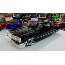 1:24 Chevrolet Impala 1963 Negro Jada Ranfla Display
