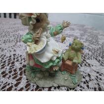Porcelana Hermosa Figura Ratoncita Con Bebé Oso Y Abeja