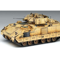 Blindado Bradley M2 Academy 1/35 Kit Para Montar Tipo Revell