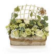 Arranjo De Flores Branco E Verde No Cachepot Retangular Com