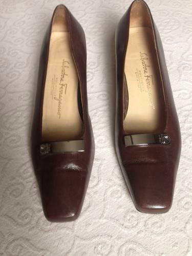 Sapato Salvatore Ferragamo Couro Marrom - R  450,00 em Mercado Livre b953f8becd