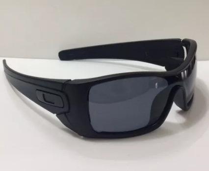 d7819e6010fd2 Oculos Oakley Batwolf Black Fosco Lente Fume Polarizada - R  99