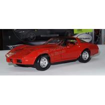 1:24 Chevrolet Corvette 1979 Rojo Motor Max Display