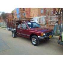 Camioneta Luv Cabina Y Media De Estacas Sin Pico Y Placa