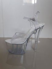 092d3f0fa Sandalha Branca Sem Estras Salto 18 Centimetros De Promoç no Mercado ...
