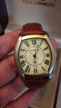 8917f567e39 Relógio Technos Pulseira De Couro Masculino - R  300