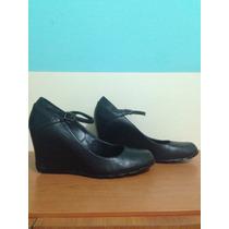Zapatos Altos Kenneth Cole Para Damas. Color Negro. Talla37.