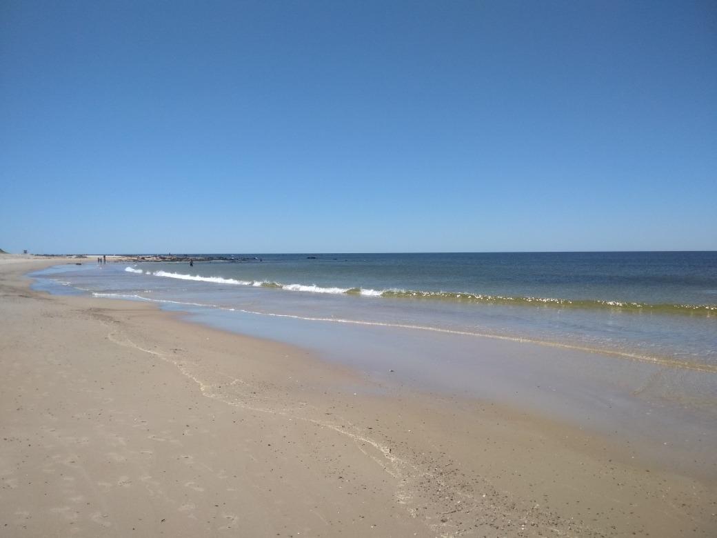 a 100 mts. del mar. excelente ubicación.