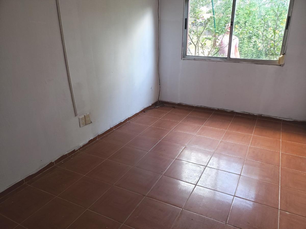 a 150 mts. de av. giannattasio! 3 dormitorios + apartamento