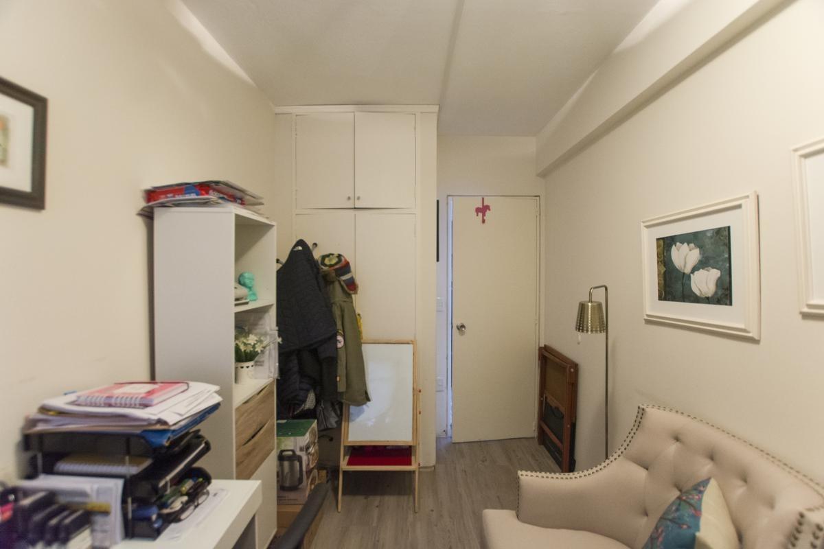 a 50 metros de la rambla de pocitos! 3d y servicio, 2 baños, garaje, calef., vig.