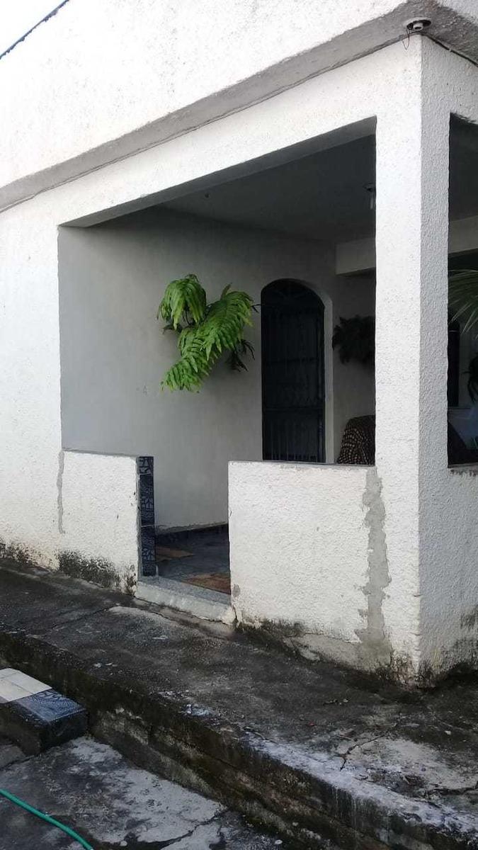 a casa tem 2 quartos banheiro sala cozinha 2 varandoes e 1 g