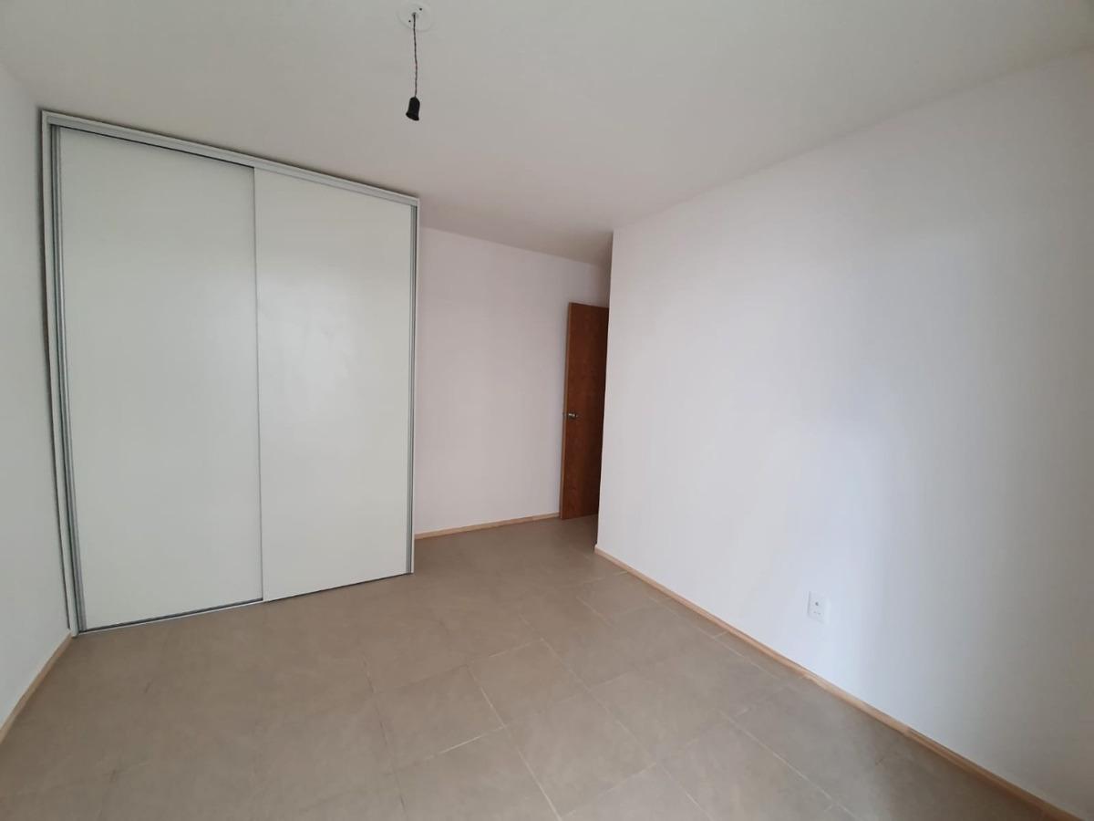 a estrenar, 2 dormitorios,  garaje